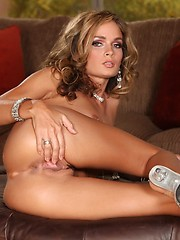 Prinzzess gets naughty for you boys and girls as she fucks herself.