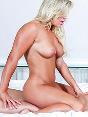 Ultra Sexy Beach Babe Blond Legs Spread Love Making