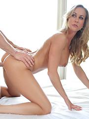 Hot woman needs plenty of hard cock