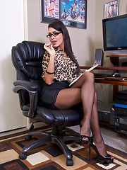 Jessica Drives Me Nut Pics - Jessica Jaymes has been HARD at work all day for you and needs a little pleasure herself