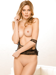 Playboy.com is on set with Amanda Streich to shoot her exclusive pictorial