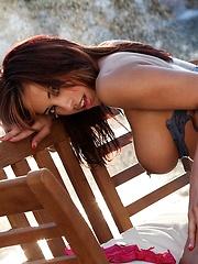 Mulani Rivera - has a body made for the sun