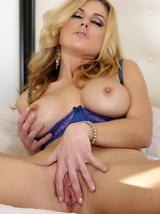 Randy Moore fingers her pussy for full stimulation