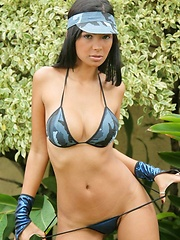 Karla strips off her blue camo outfit