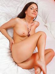 Laena A - PRESENTING LAENA