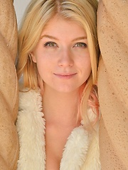 Arya Sultry Girl