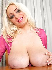 Mayaa Secretary in pink