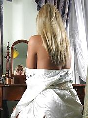 Huge tit blonde babe